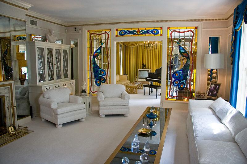 800px-Graceland_living_room_1.jpg