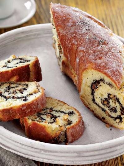 Vanilya ve haşhaş tohumlu girdap kek