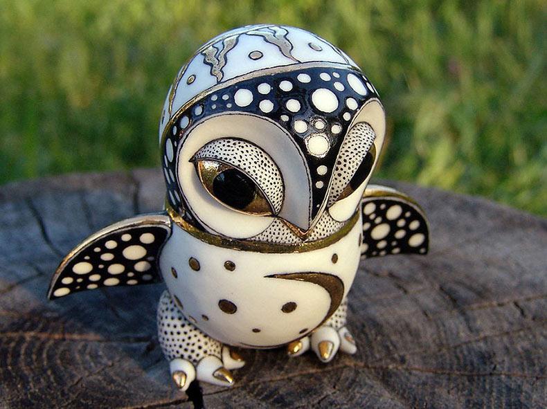 Duo de artistas ucranianas crea magníficas y adornadas porcelana de fantasía de animales