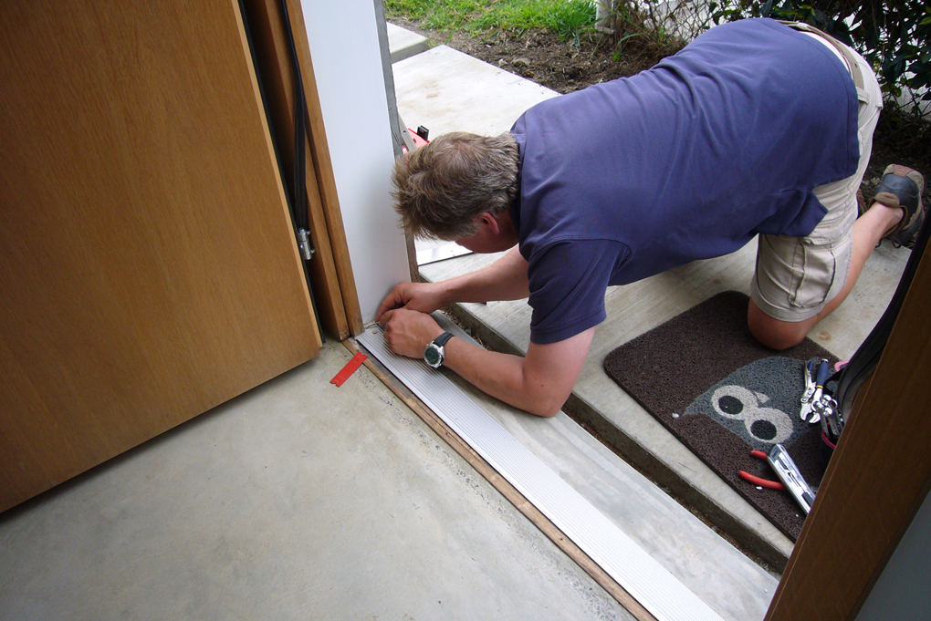 Exceptionnel Front Door Repair