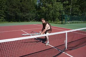 Tennisvalmennusta lapsille, nuorille ja aikuisille Tennisvalmentaja Olavi Lehto