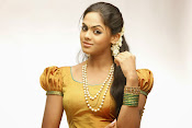 Karthika Nair latest Glamorous Photo shoot Gallery-thumbnail-4