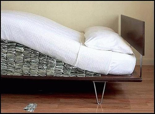 Economía Full Time | Gerard Codina: Guardar dinero en casa no es muy ...