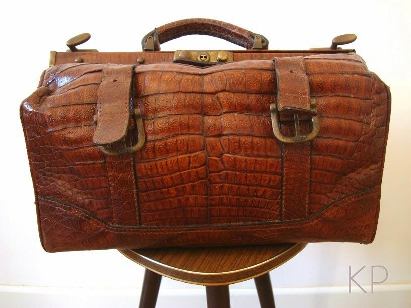 Comprar maletines de médico antiguos online. Bolso antiguo piel cocodrilo