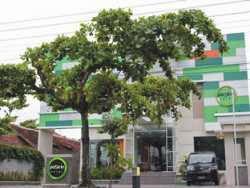Hotel Bintang 3 Yogyakarta - Pose In Hotel