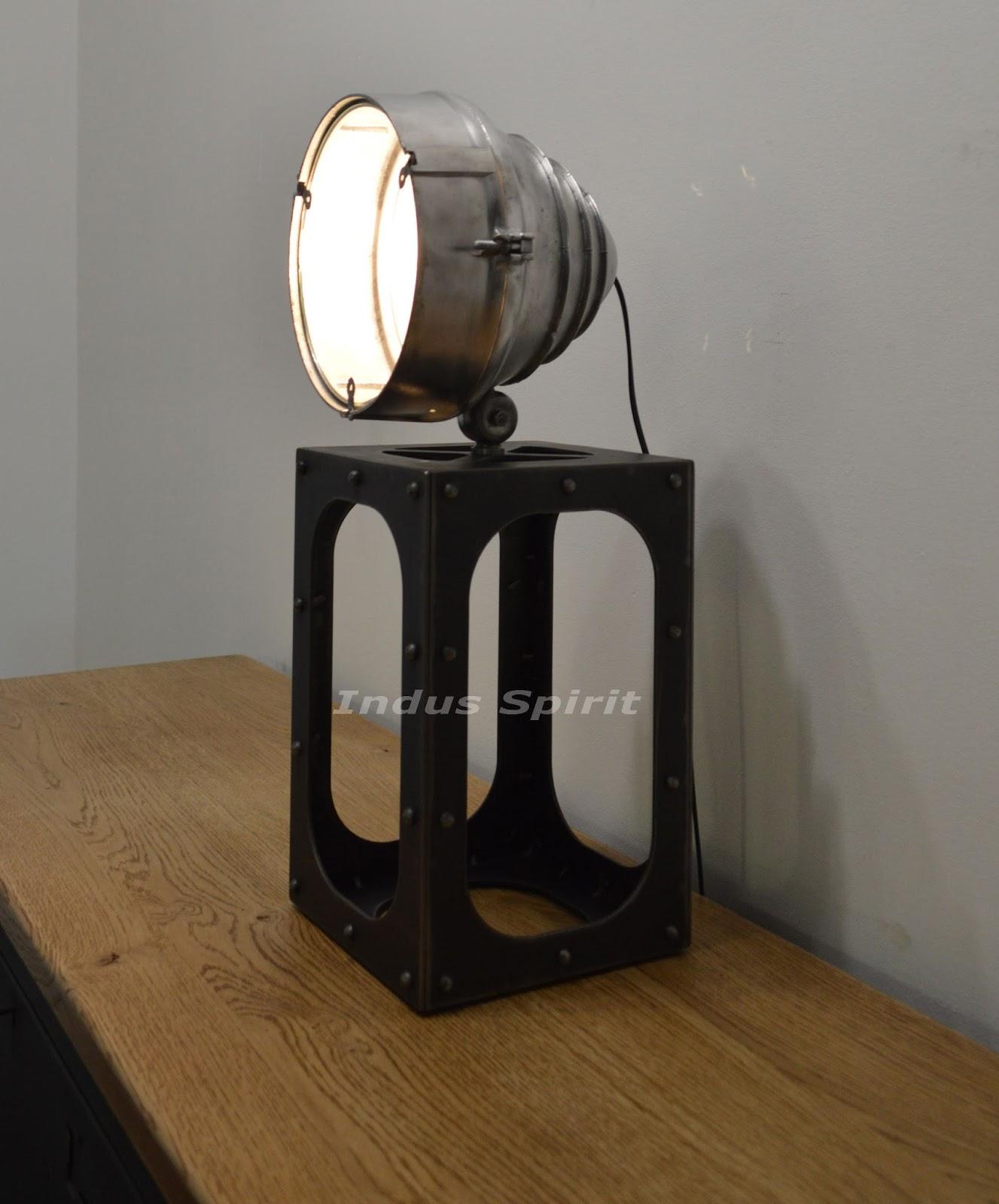 lampe pied industriel