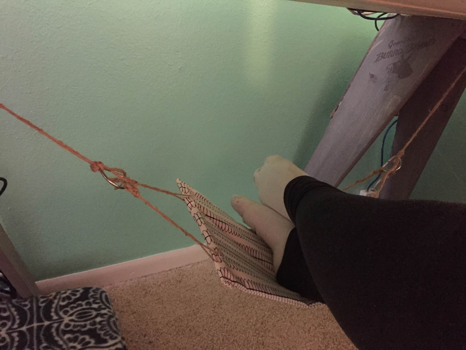enjoy your diy foot hammock  my feet are safe from the crazy kitten and they are chillin u0027 like a villian     the dabbling crafter  diy sunday  diy foot  under desk  hammock  rh   thedabblingcrafter
