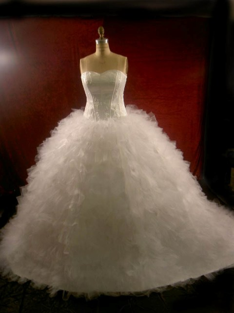 various kinds of wedding dresses with new models puffy
