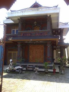 pastinya seseorang menentukan desain dan model yang sedang musim dikala ini semoga rumah nya ter Model Rumah Minimalis Bali Yang Klasik Dan Eksotik