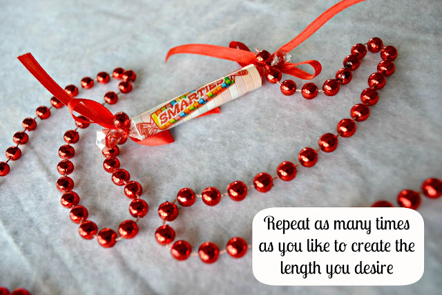Mommy Testers #IAmASmartie Smarties Christmas Garland  DIY Craft Step 6