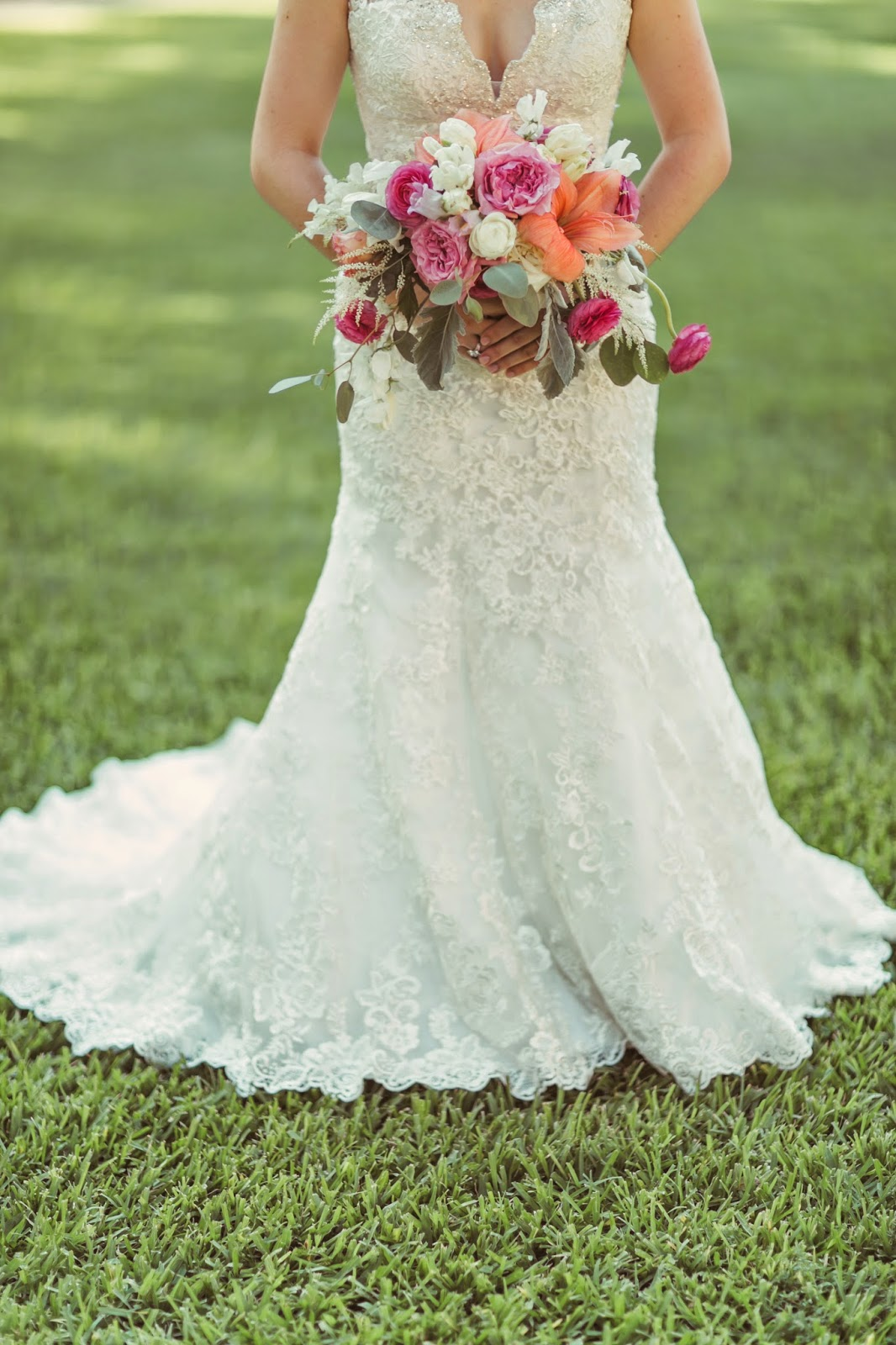 The Blooming Bride, DFW, Fort Worth, Texas, Wedding Flowers, Bouquet, Brides The Blooming Bride, DFW, Fort Worth, Texas, Wedding Flowers, Bouquet, Bride, Wedding Dress, Outdoor Wedding