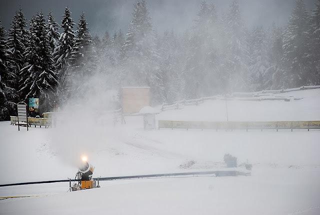 Veštački sneg preko prirodnog