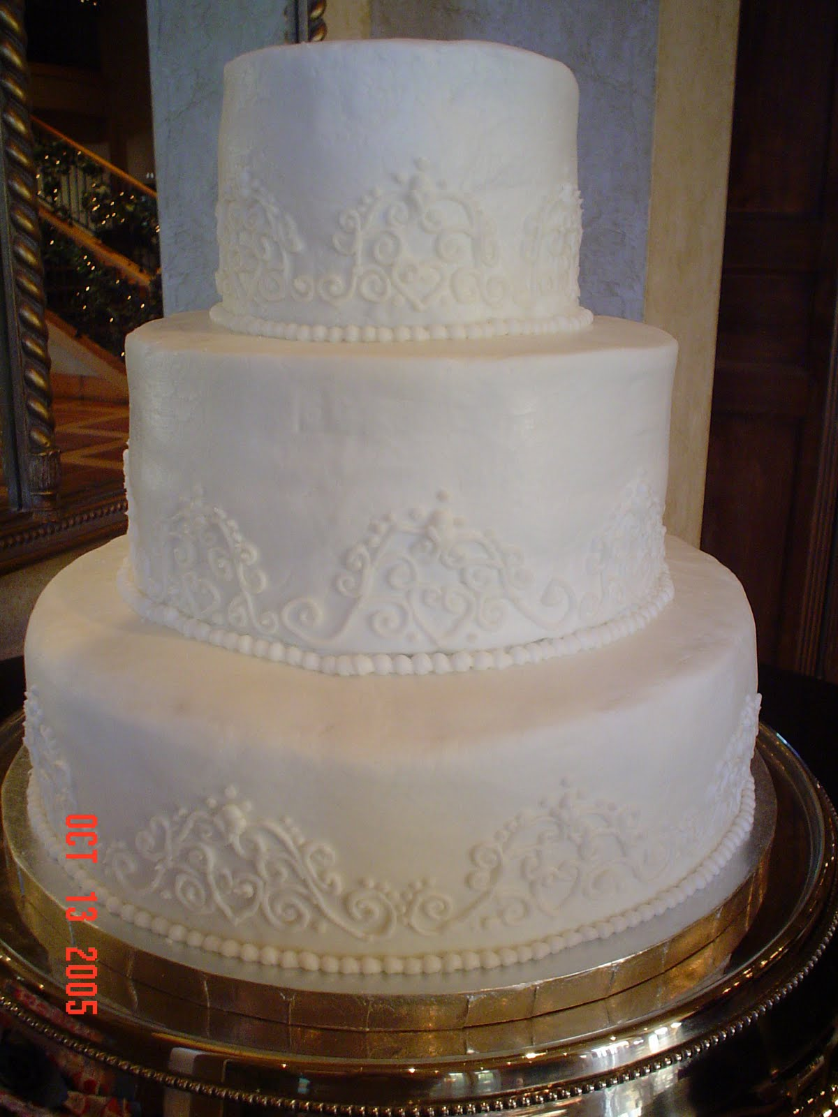 Amee s Creations Wedding Cake with Piping