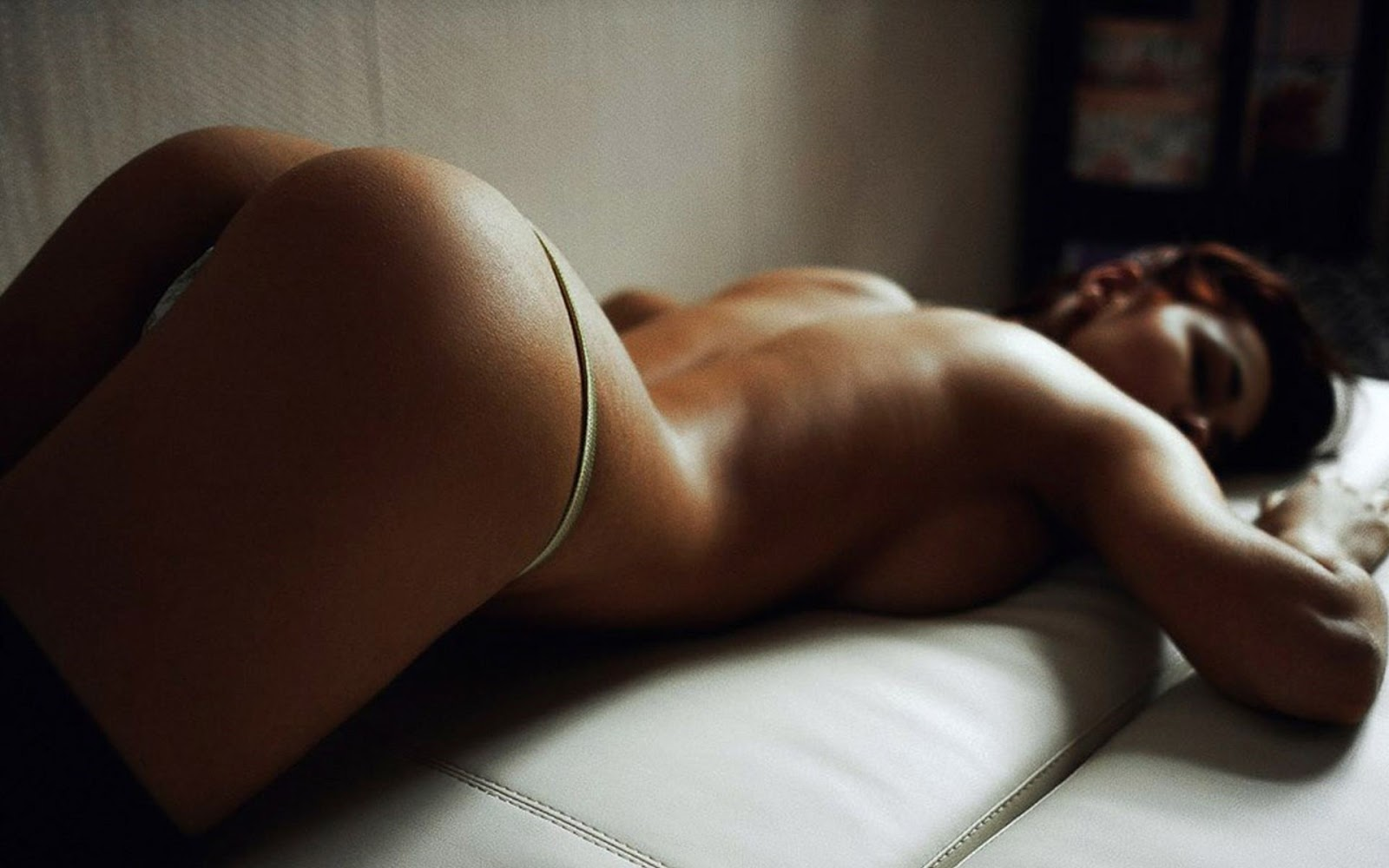 Topless sexy perfect ass naked girl