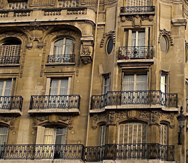 www.linenandlavender.net, http://www.linenandlavender.net/2012/03/paris-pied-terre.html