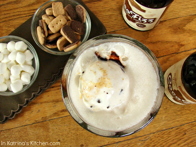 S'Mores Floats with Chocolate Soda @KatrinasKitchen