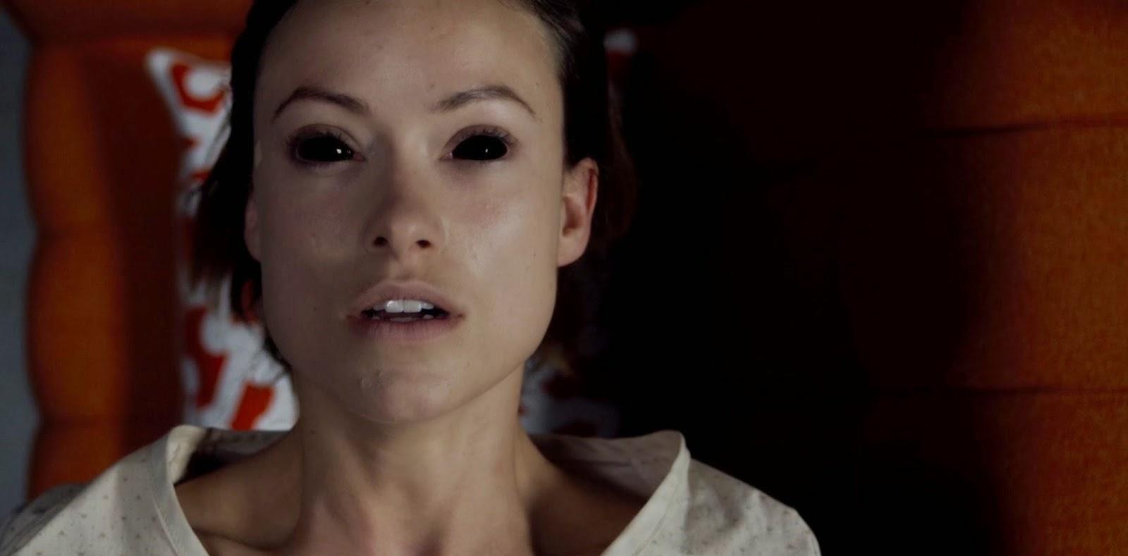 Olivia Wilde volta dos mortos no trailer e imagens inéditas do terror Renascida do Inferno