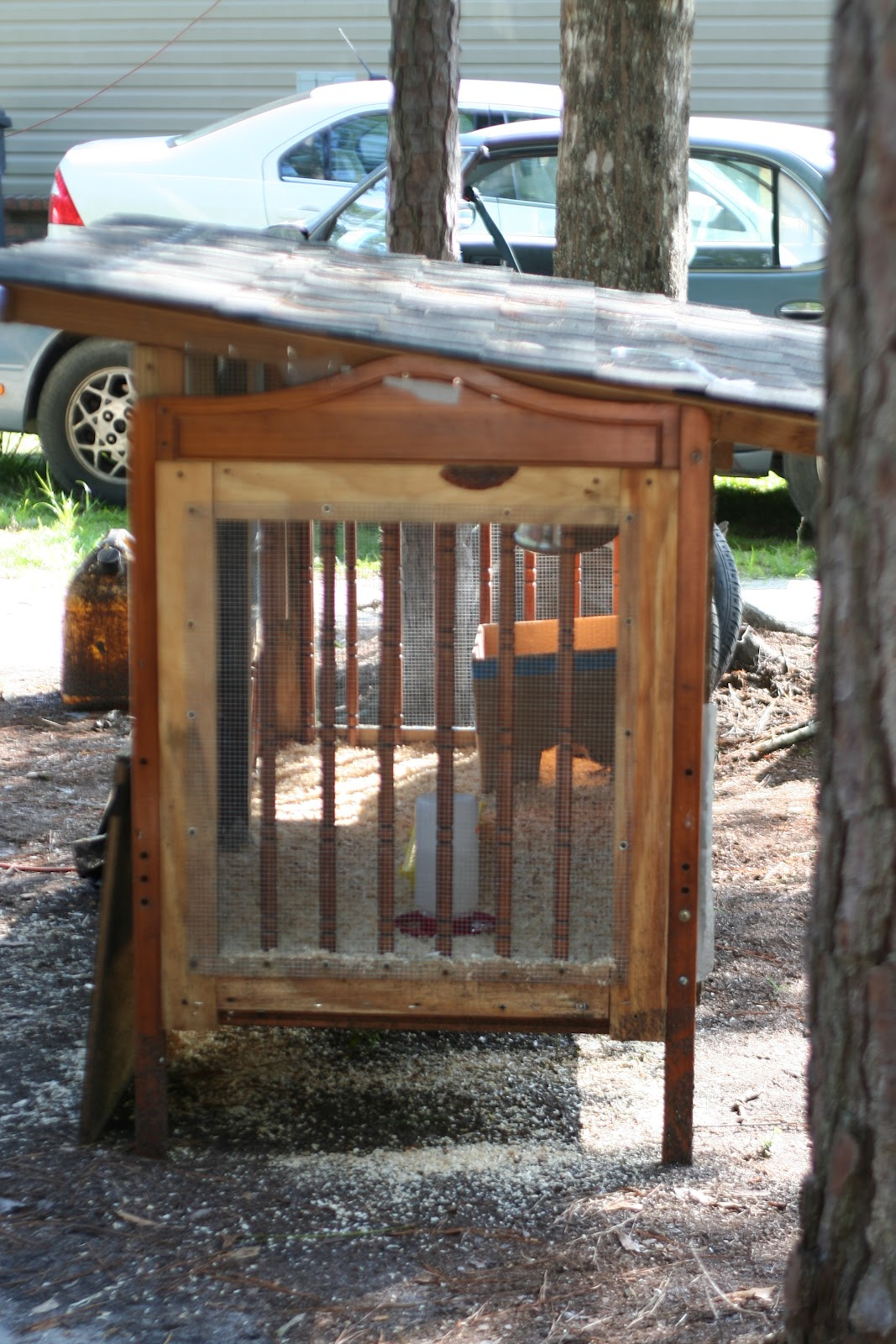 Upcycled crib to quail coop the happier homemaker for Building a quail house