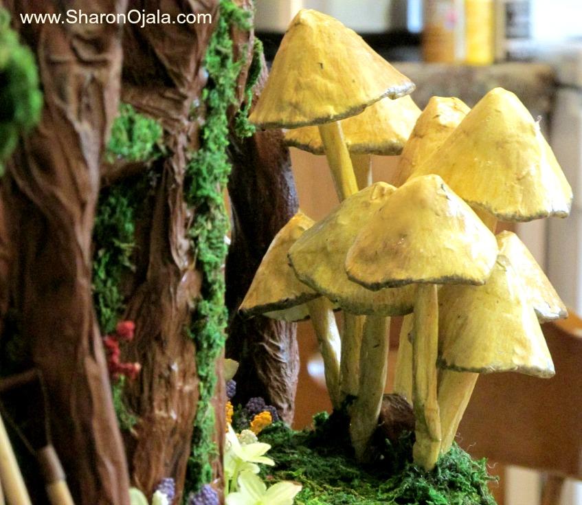 paper mache mushroom cluster