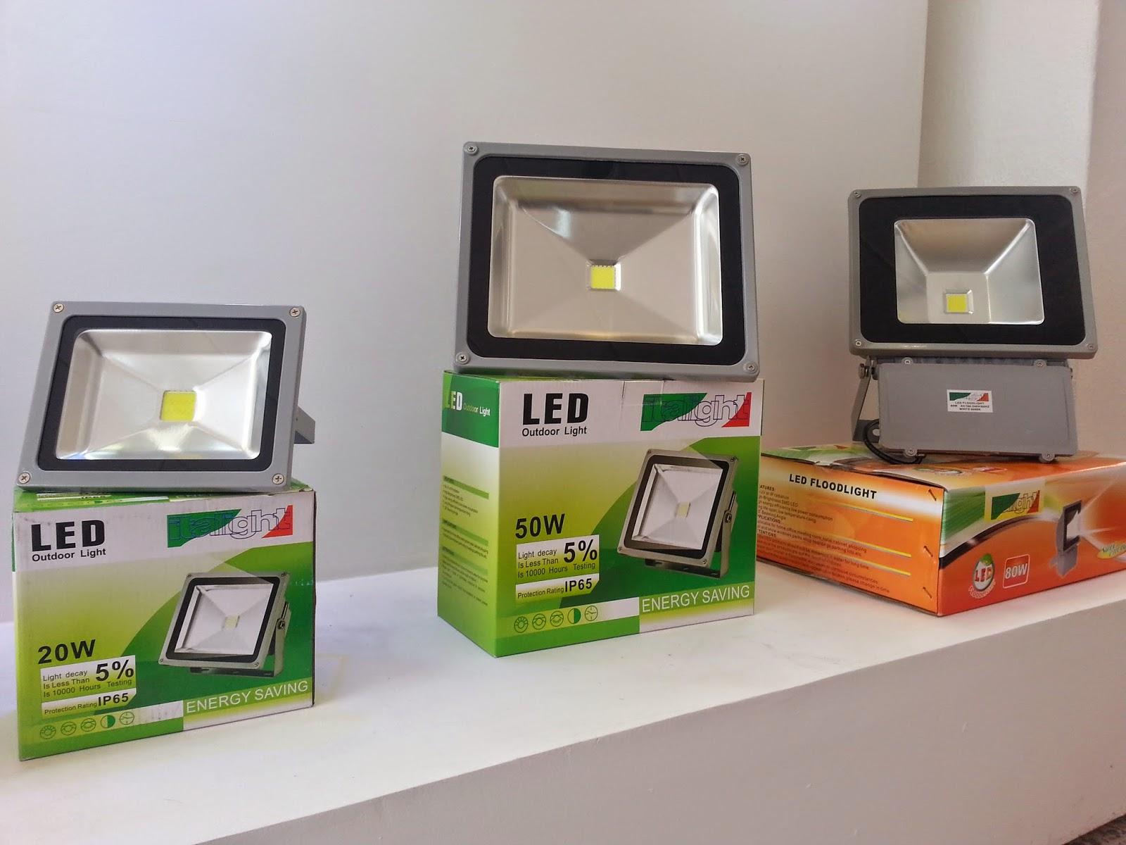 Reflectores led italight electroazuay cia ltda for Luminarias para jardines exteriores