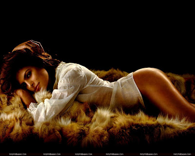 Hollywood Actress Eva Mendes Wallpaper
