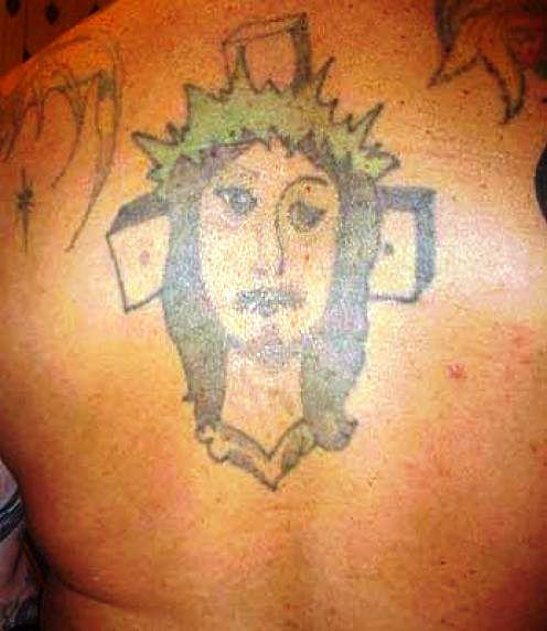 Tatuajes que te harán reflexionar antes de hacerte uno