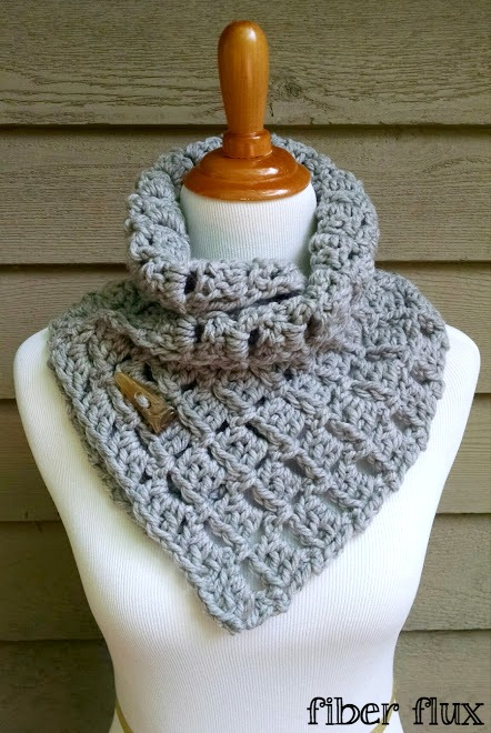 Free Crochet Pattern For A Cowl : Fiber Flux: Free Crochet Pattern...Margaret Button Cowl!