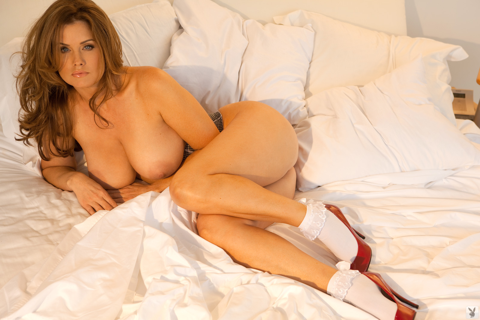 Carrie stevens nude in whos your daddy scandalplanetcom 4