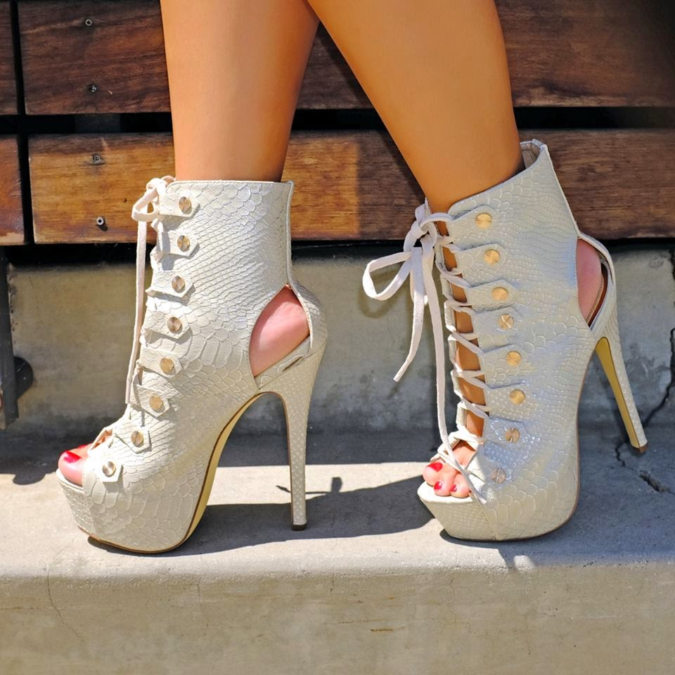 Fashion Shoes And Dresses Fashion Shoes And Dresses