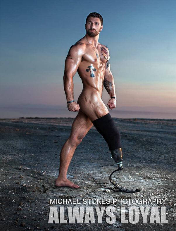 Sexy fotos de veteranos amputados desafían estereotipos, exhibiendo la belleza de sus nuevos cuerpos