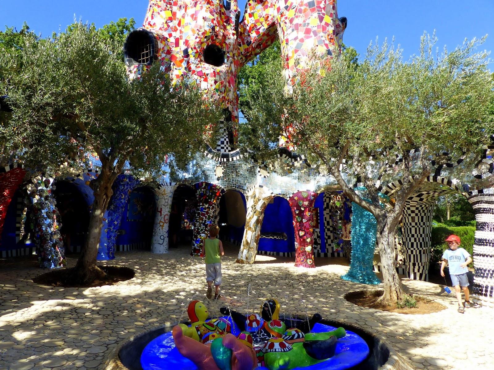 le blog de guy Le jardin des tarots Garavicchio