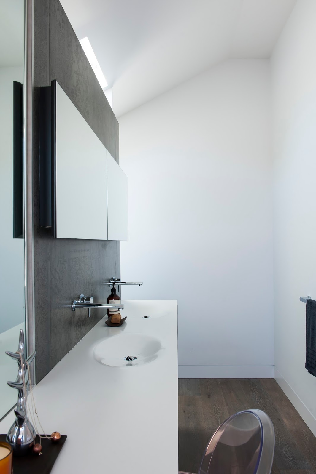Minosa: Crows Nest - Small Bathroom with room to move