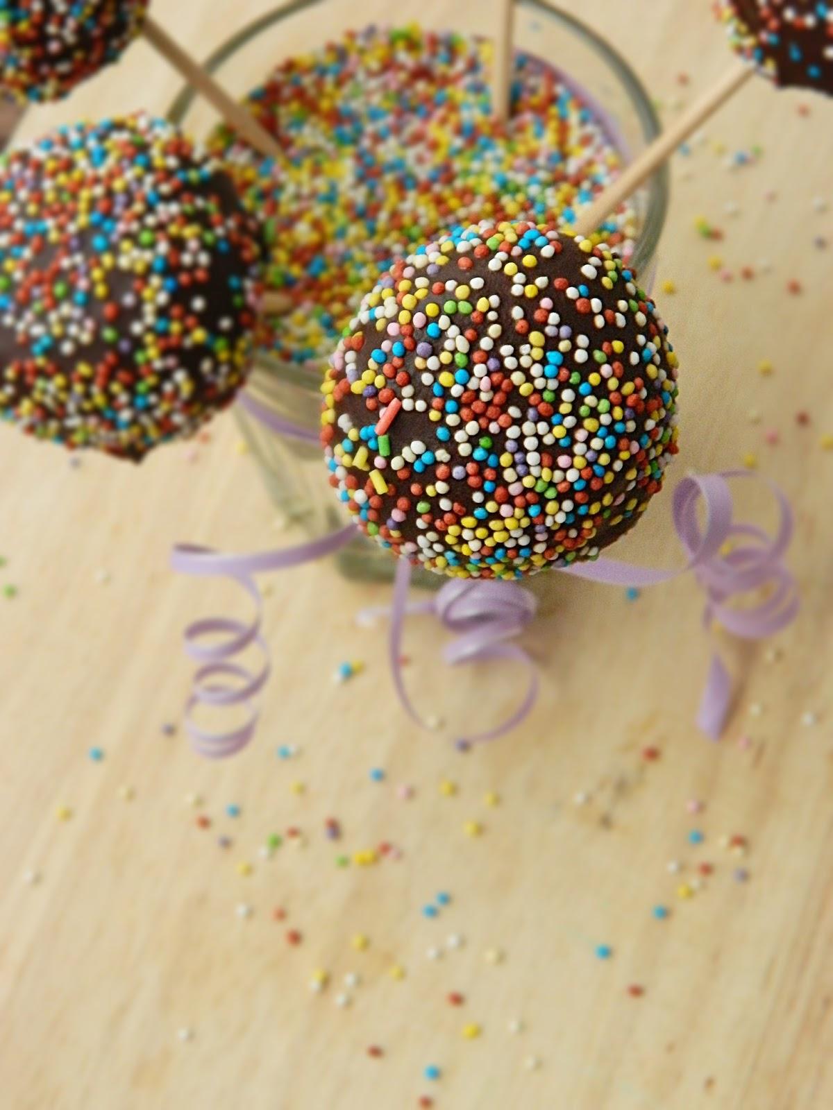 dr ola 39 s kitchen cake pops. Black Bedroom Furniture Sets. Home Design Ideas