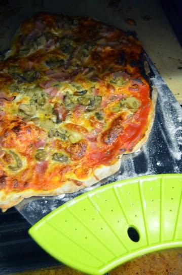 El rinc n de la mariposa piedra y pala para pizzas de ibili for Pala horno pizza
