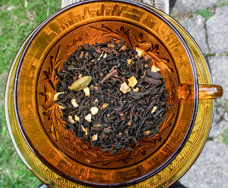 http://fridaytea.com/collections/seasonal-selections/products/rebeccas-orange-spice