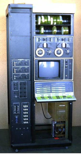 komputer PDP-12 berikut dari 1969 :