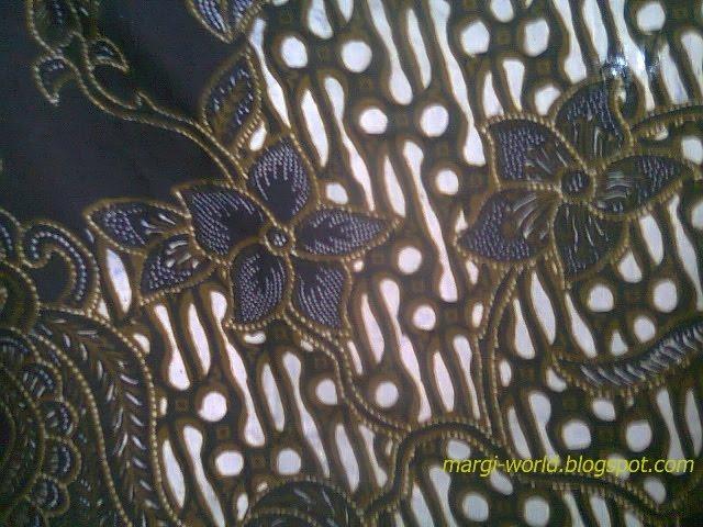 Contoh gambar aneka desain batik yang mempesona