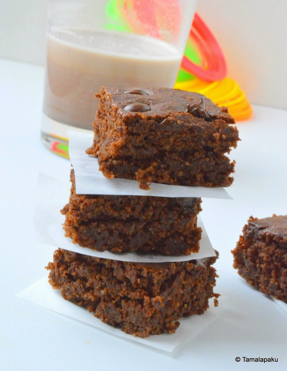 Eggless Oat-Banana Brownie