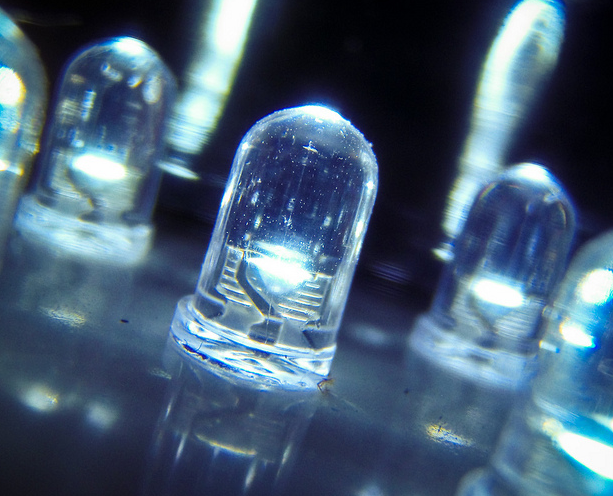 Montaje de iluminaci n led electricista en zaragoza - Iluminacion con leds ...