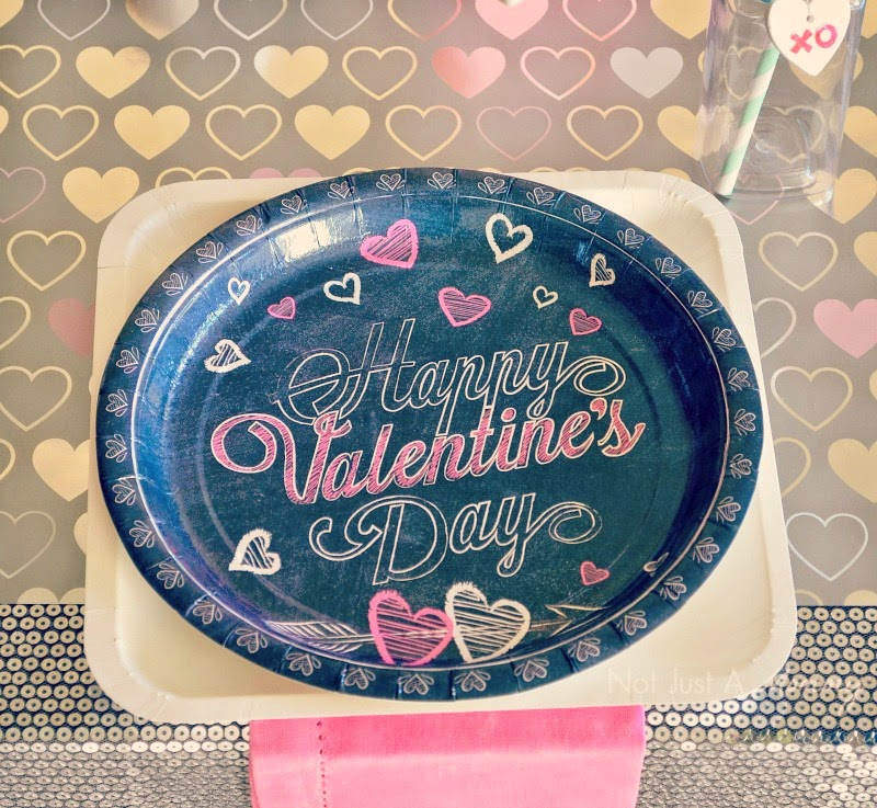 XOXO Valentines Day chalkboard plates