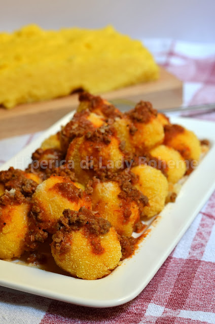 hiperica_lady_boheme_blog_di_cucina_ricette_gustose_facili_veloci_polpette_di_polenta_fritte_2