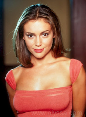 American Actress: Alyssa Milano Dark Themed HD Wallpapers 1600x1200