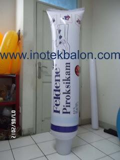 Balon karakter botol obat