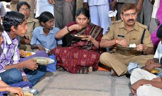 Karimnagar Collector (Mrs. Smita Sabharwal ), SP have lunch with Dalits.