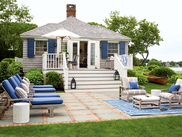 Denise briant interiors small outdoor patio spaces for Beach house deck ideas