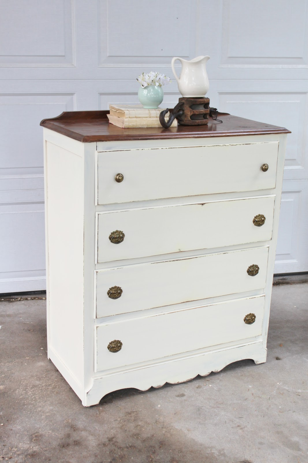 shabby chic dresser casual cottage. Black Bedroom Furniture Sets. Home Design Ideas