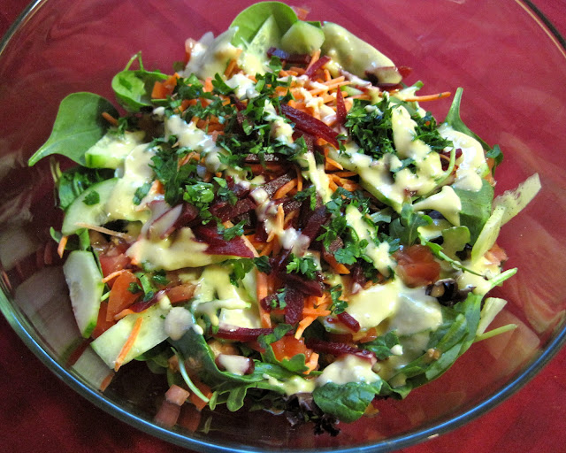 Simple Side Salad with Shallot-Dijon Vinaigrette Veega