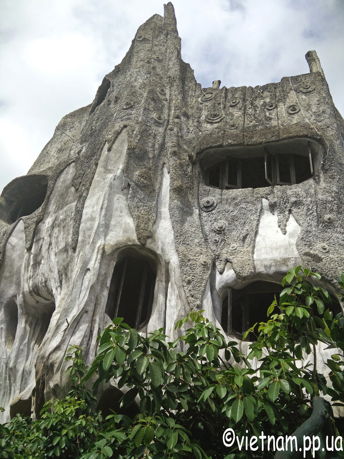 Сумасшедший дом Далат Вьетнам