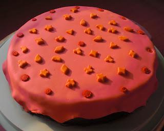 pasta-di-zucchero-torta-cake-simboli-carte-picche-fiori-poker