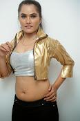 New Actress Pooja glam pics-thumbnail-14